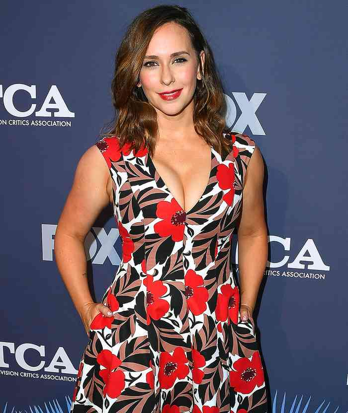 Jennifer Love Hewitt1