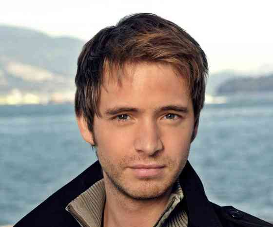 Aaron Stanford Images