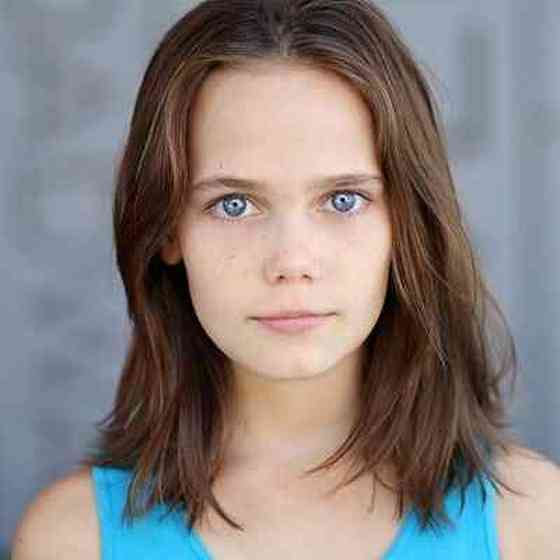 Oona Laurence Pictures
