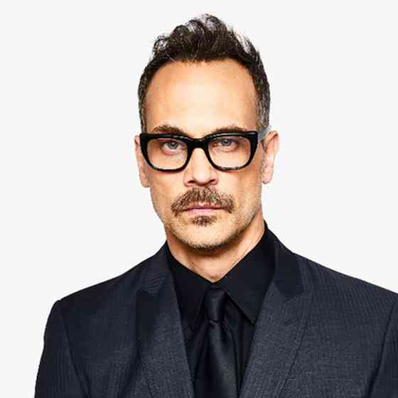 Todd Stashwick Pictures