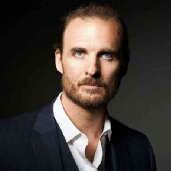 Greg Bryk Pictures