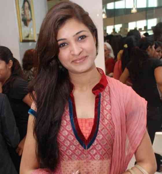 Alka Lamba Pictures